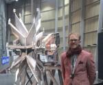 L'artisteGuillaume Krick devant l'installations Excaver l'air, 2014