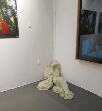 Elodie Wysocki, dormition, lin et gomme arabique, 2010 100x80x90 cm N°4/5 - 1200 EUROS? Proposé par New square Gallery
