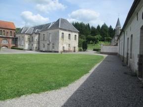 l'abbaye de Belval, cour intérieur
